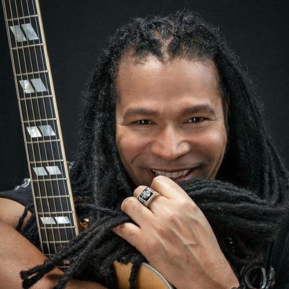 El cantautor cubano Amaury Gutiérrez