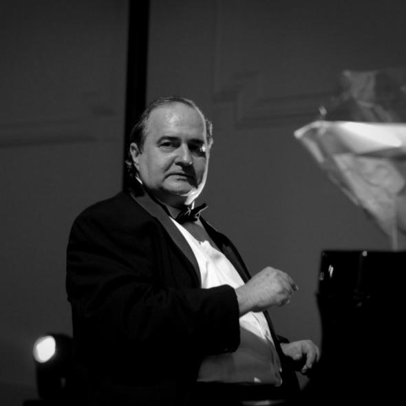 El pianista cubano Jorge Luis Prats